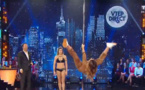 Laury Thilleman chute d'une barre de pole dance