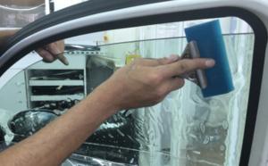 Vitres surteintées interdites: Les automobilistes se précipitent aux centres auto