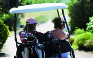 Je golfe, tu golfes,  nous golfons…