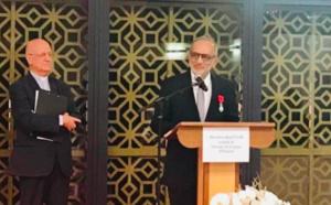 Le président de la Grande mosquée a reçu la légion d'honneur de Mgr Gilbert Aubry
