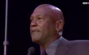 Michael Jordan en larmes rend hommage à Kobe Bryant